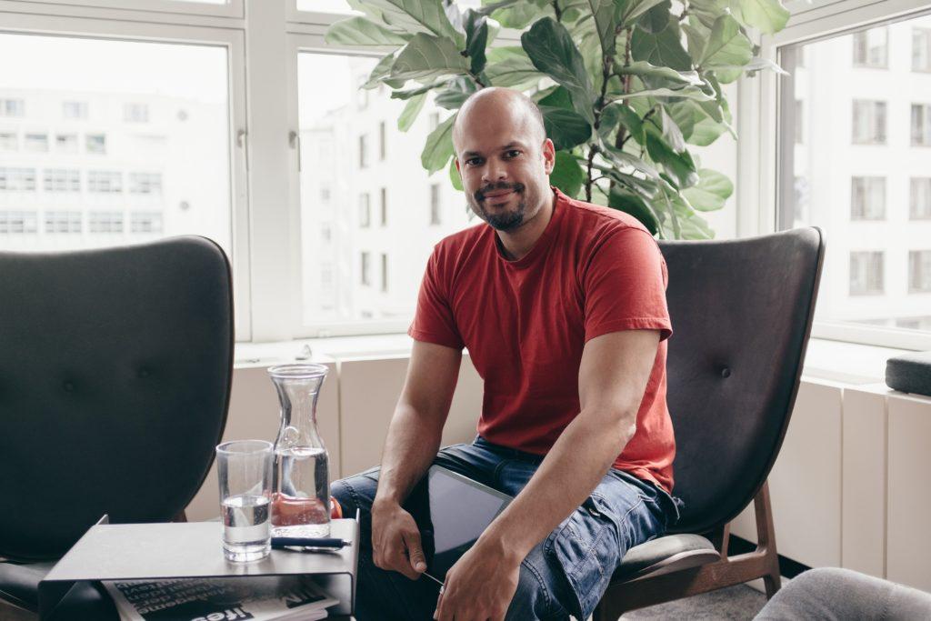 Raven51 Elevator – Referenten im Interview:   Robindro Ullah und der Trendence Corona HR Monitor